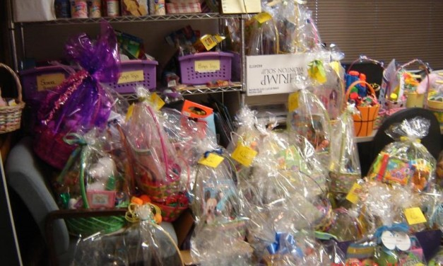 2010 Folsom Christmas Basket Program Supports Twin Lakes Food Bank