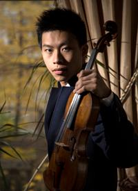 kerson leong violinist, with violin.